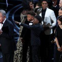 "Oscars 2017: θα 'ναι σαν να κερδίζει το ""La La Land"", αλλά θα κερδίζει το ""Moonlight"""