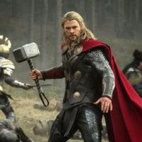 "To τρέιλερ του ""Thor: Ragnarok"" λυγίζει ακόμη και τους πολέμιους των superhero movies!"